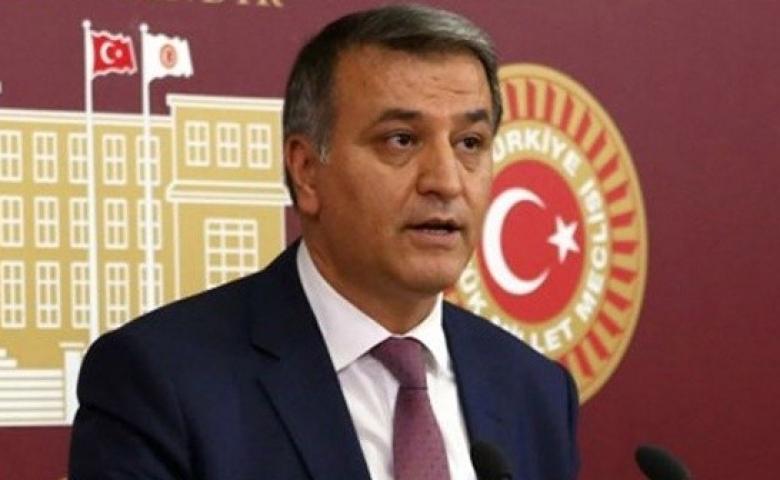 Milletvekili Toğrul mevsimlik tarım işçileriyle, Gaziantep'teki vaka sayısını sordu