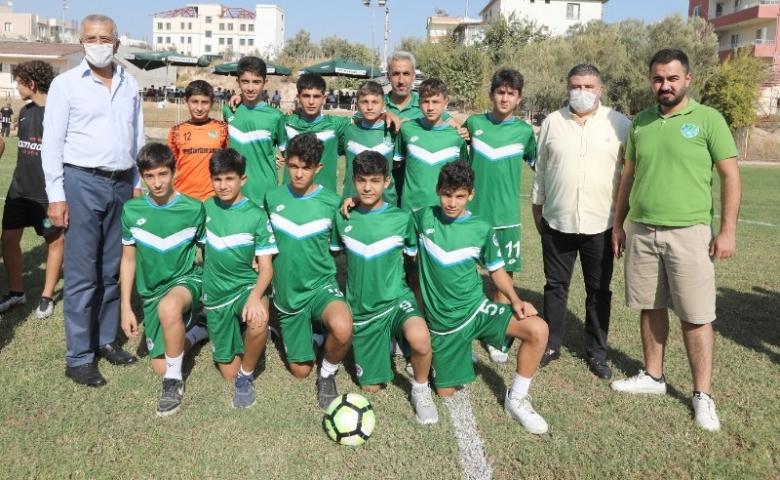 Mezitli'de Başkan Tarhan 29 Ekim için U-14 Futbol Turnuvasını başlattı