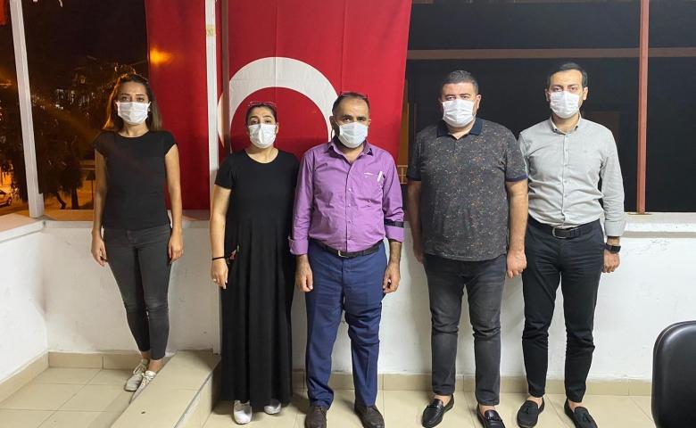 Feray Şahin ailesi CHP Mezitli ilçe başkanlığını ziyaret etti