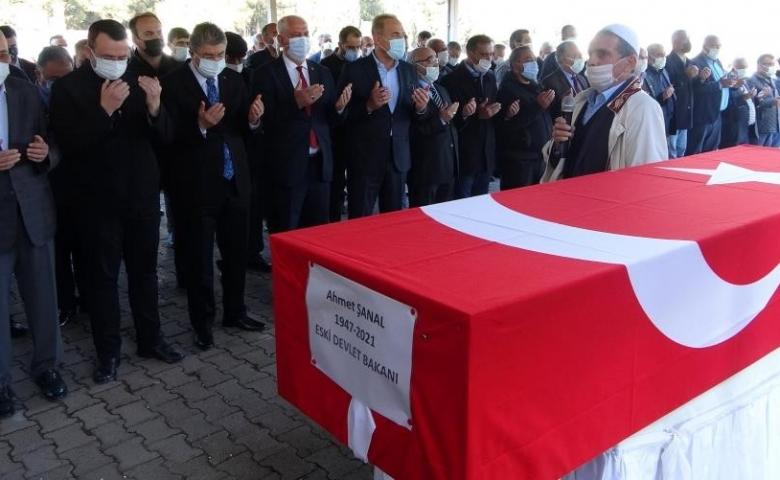 Eski Devlet Bakanı Ahmet Şanal memleketi Osmaniye'de toprağa verildi
