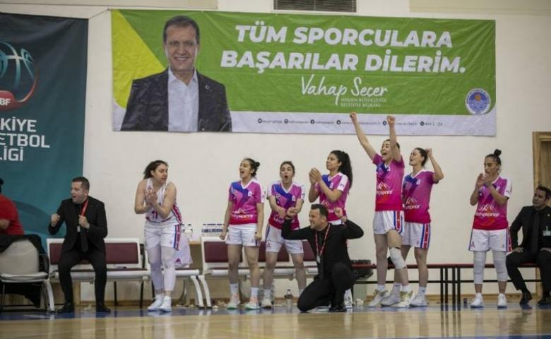 Mersin'de kadın basketbol takımı, Çeşme Basketbol takımını 93-91 skorla mağlup etti