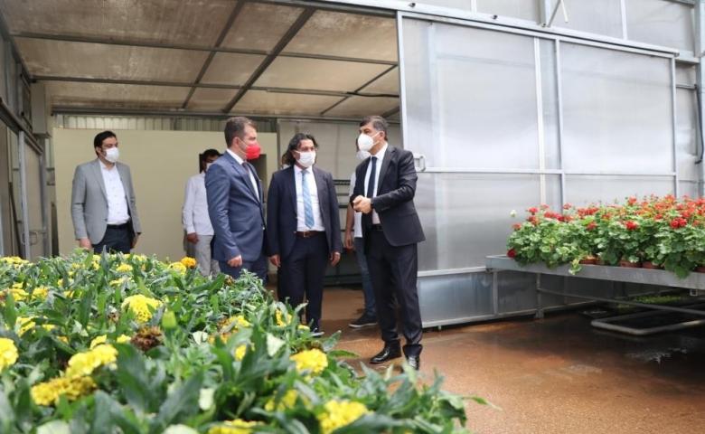 Şehitkamil Belediyesi kendi ürettiğiyle hizmet veriyor