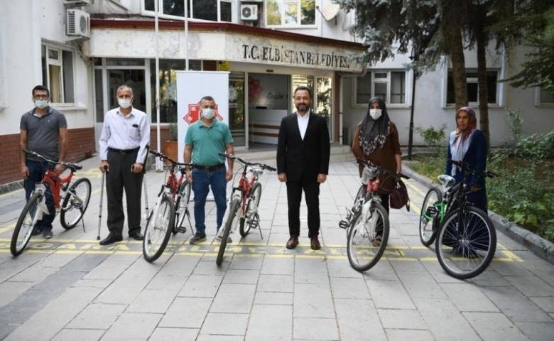 Kahramanmaraş'ta Aşılama kampanyasında bisiklet ve altın kazandılar